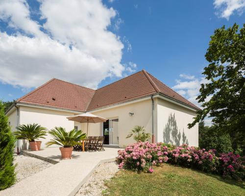 Rural Guest House «LA GOUTTE D'OR»